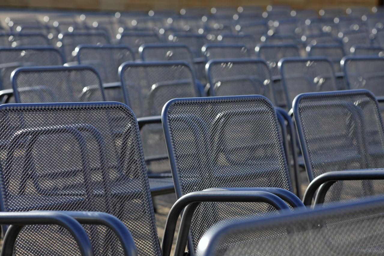 Nowoczesne krzesła i fotele.