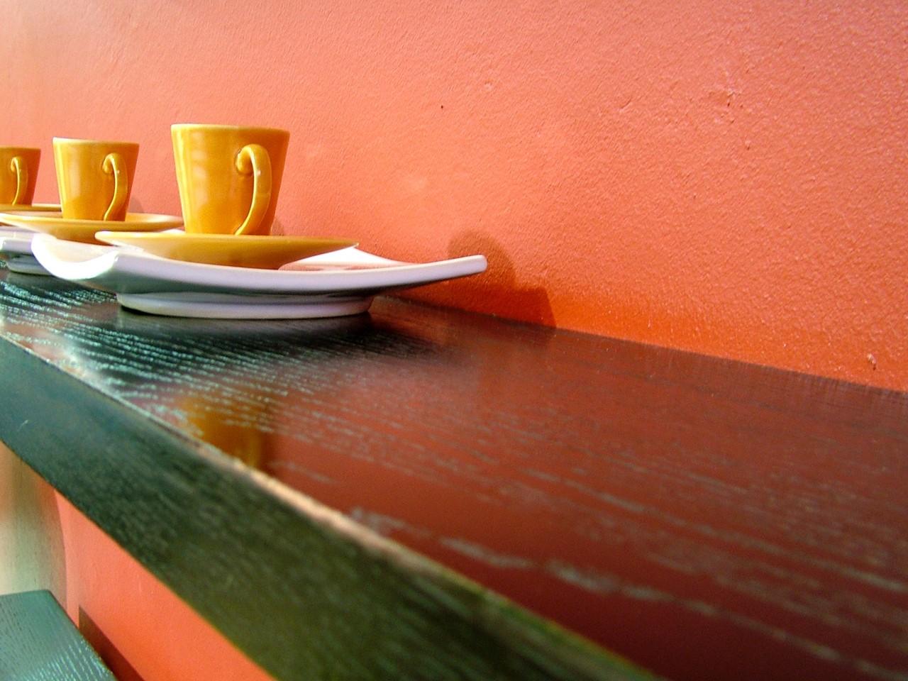 Nowoczesne stoliki i ławy.